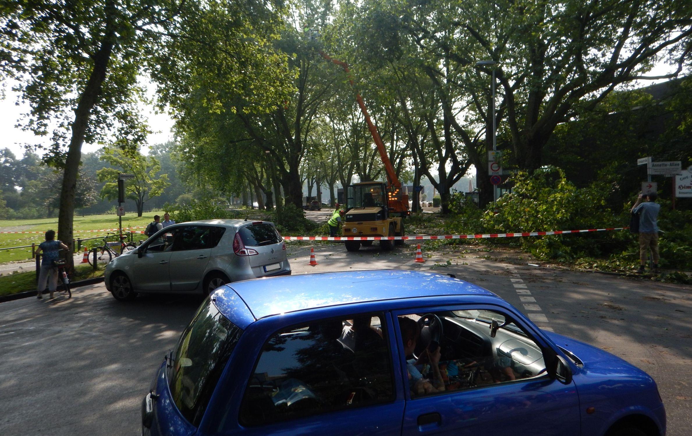 Starkregen 2014 in Münster, keine Durchfahrt zum Dammbalkensystem